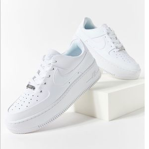 *BRAND NEW* Nike Air Force 1 Sage Low Sneakers